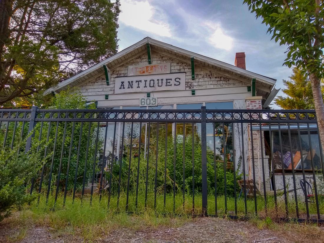 184/365 LT Fleming Antiques, Carys premier antiques shop